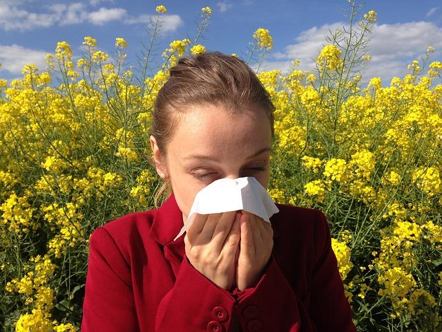 náznaky alergie